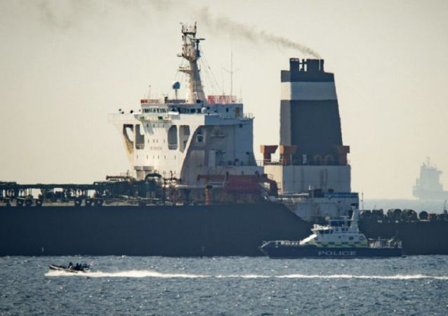 آمریکا قصد دارد ارسال نفت ایران به ونزوئلا را مسدود کند