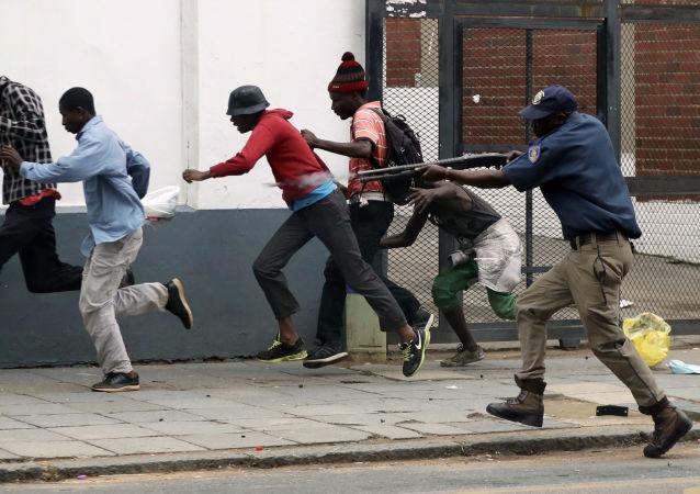 276 نفر کشته در آشوب ها در افریقای جنوبی