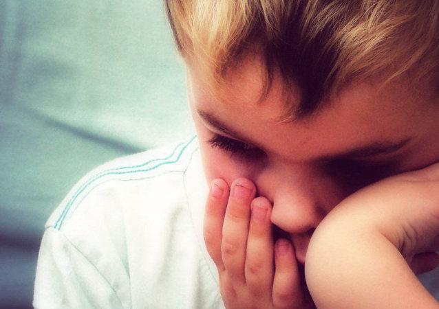درخواست کمک کودک کار سرطانی از سه تن از فوتبالیست ها +عکس