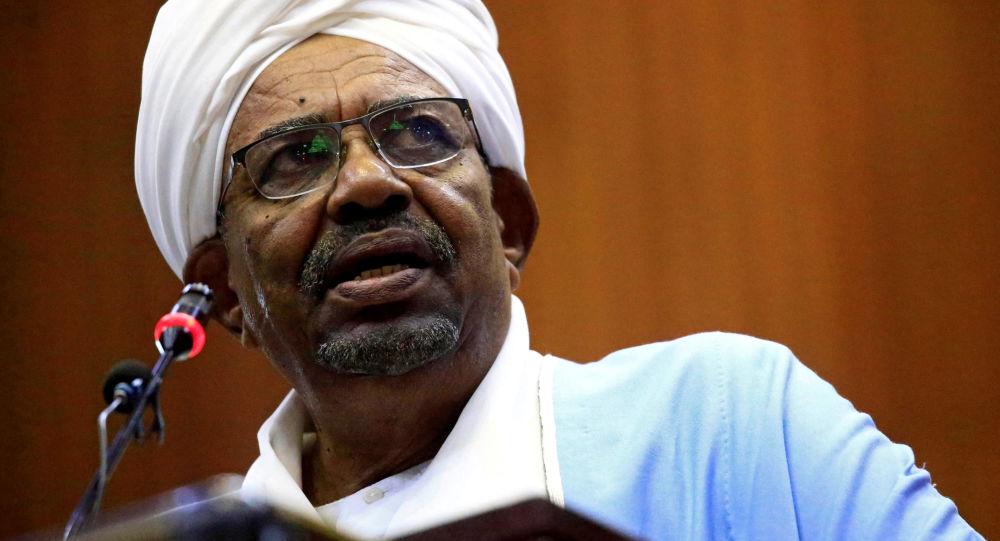 سودان  رهبر سابق خود را به دادگاه لاهه تحویل میدهد