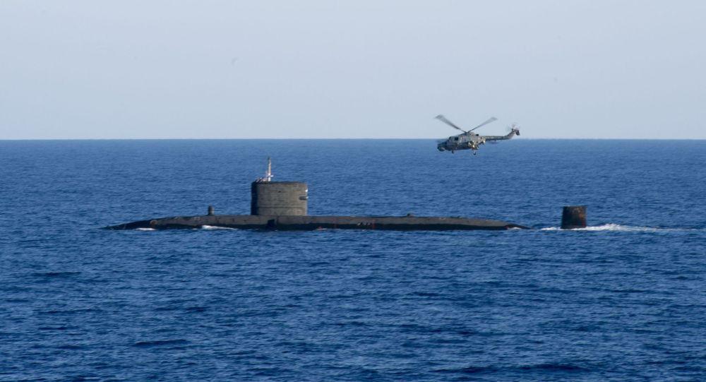 دریانوردان بریتانیایی بساط کباب در زیردریایی هسته ای ترتیب دادند