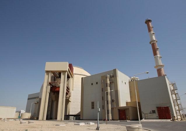 آمریکا خریداران آب سنگین ایران را تهدید به تحریم کرد