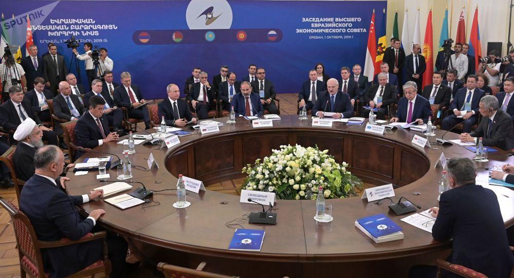 اتحادیه اقتصادی اوراسیا در انتظار تجارت آزاد با ایران پس از لغو تحریم ها