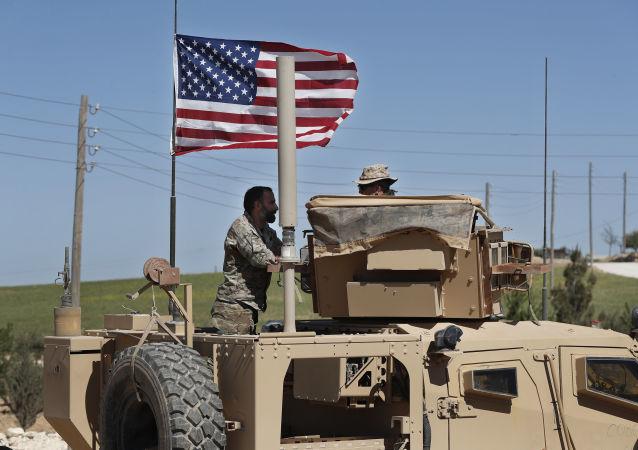 سربازان اسد مسیر ارتش آمریکا را مسدود کردند