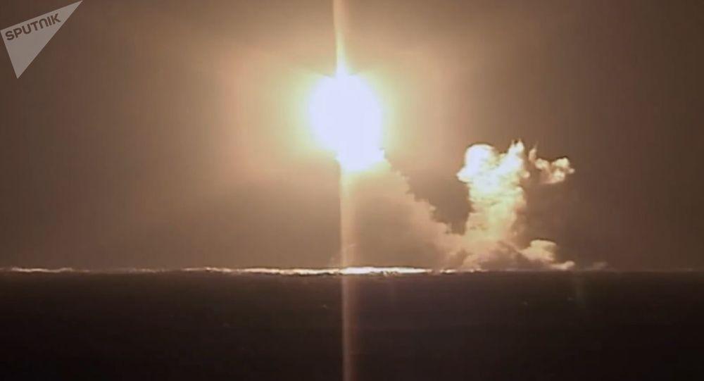 آزمایش موشک بالستیک توسط زیردریایی هسته ای ولادیمیر روسیه