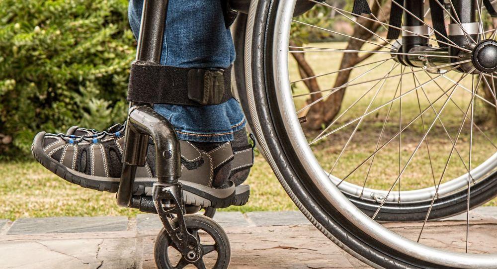 تشدید مشکلات معلولان ایران به دنبال افزایش قیمت بنزین