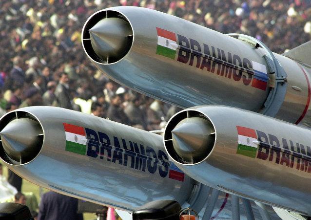 هند، موشک کروز براهموس را با موفقیت آزمایش کرد