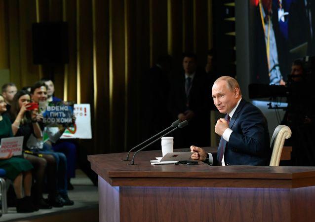 پوتین تلاش ها برای متهم کردن شوروی به آماده سازی جنگ جهانی دوم را مزخرف خواند