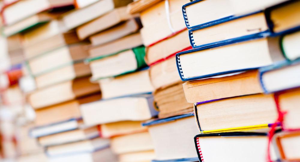 معضل جدید انبوه تبلیغات و فروش کتابهای دکوراتیو +عکس