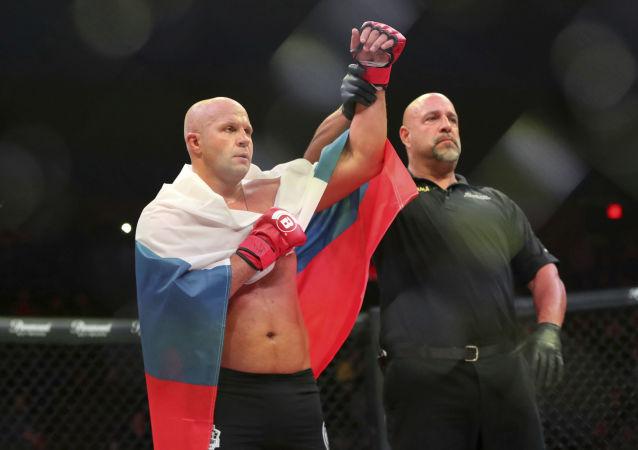 MMA کار روس حریف آمریکایی خود را در راند اول ناک اوت کرد