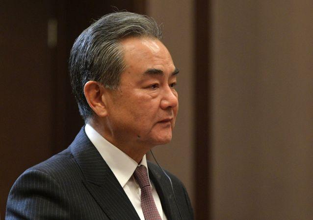 چین کشورهای جنوب شرق آسیا را به مخالفت با مداخله جویی آمریکا فرا خواند