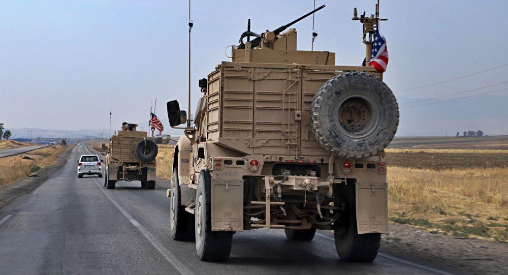 در مسیر کاروان پشتیبانی ائتلاف بین المللی در عراق بمبی منفجر شد