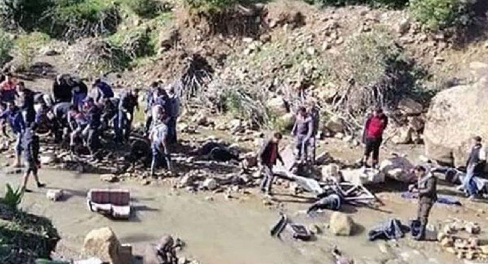 گزارش اولیه حادثه جاده ای-واژگونی اتوبوس خبرنگاران در نقده