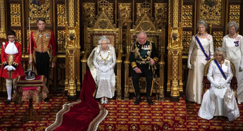وارث تاج و تخت بریتانیا : می خواهم به ایران سفر کنم