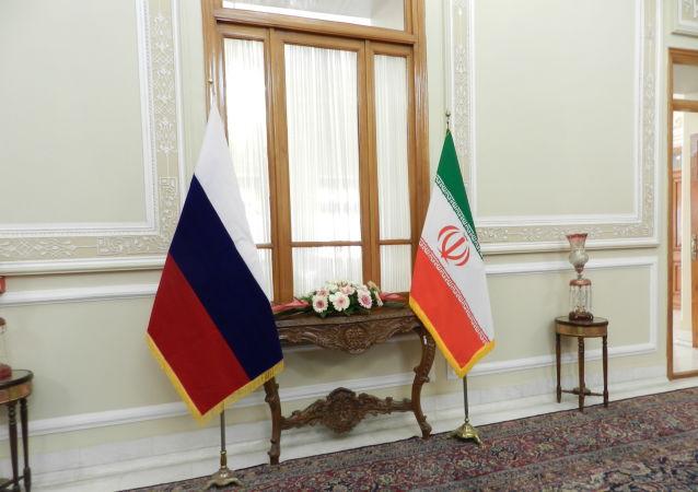 پرچم ایران و روسیه