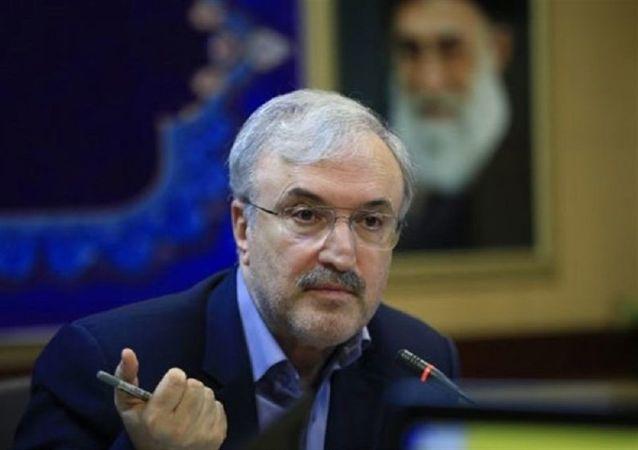 نمکی:  ۱۴ هزار تخت به مراکز درمانی ایران اضافه شده است