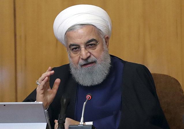 روحانی: اگر قانون مجلس نبود تا قبل عید تحریمها را برداشته بودیم