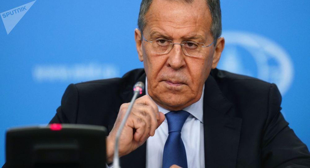 لاوروف: ظریف در سفر خود به مسکو پیام روحانی را به پوتین انتقال داد