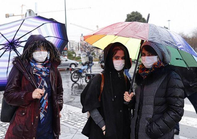 تلاش برای افزایش تولید و عرضه ماسک بهداشتی در ایران