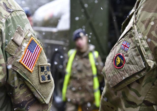 آمریکا و انگلیس در خلیج فارس رزمایش مشترک برگزار کردند