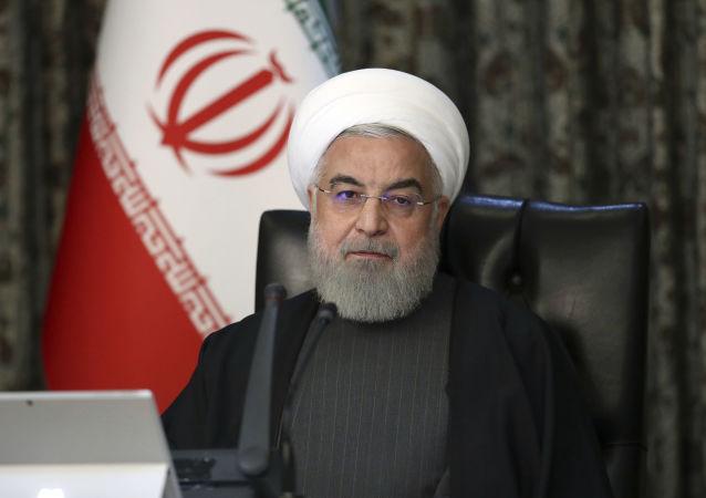 روحانی: موج دوم کرونا در ایران، خردادماه شروع شد و بسیار شدید بود