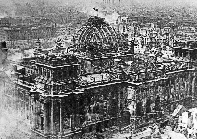 اقدام فیسبوک در حذف معروفترین تصاویر جنگ جهانی دوم + عکس