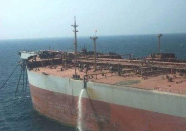 حوثیهای یمن نسبت به ادامه توقیف نفتکش صافر هشدار دادند