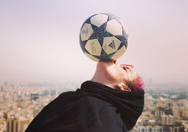 نخستین بانوی فوتبالیست رشته حرکات نمایشی از موفقیت های خود می گوید