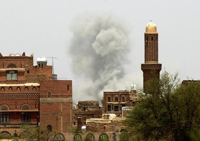 دو انفجار در یک مسجد پایتخت یمن 32 کشته را به جای گذاشت