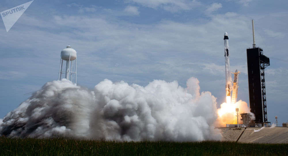 پرتاب موشک Falcon 9 با گروه ماهواره در فلوریدا + ویدئو