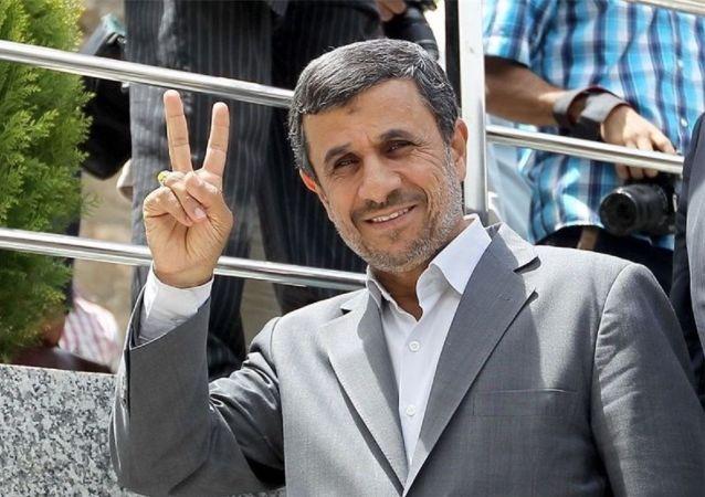 آیا احمدی نژاد خواهان رئیس جمهور شدن است؟