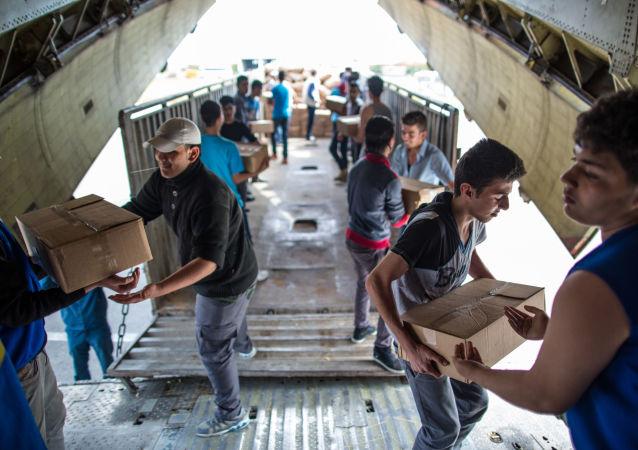 اولین محموله کمک انسانی سازمان ملل بزودی به شهر دیرالزور سوریه پرتاب می شود