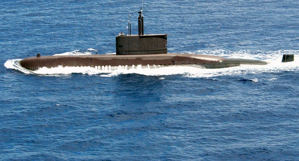 علت حضور زیردریایی بیگانه در رزمایش ایران چه بود؟