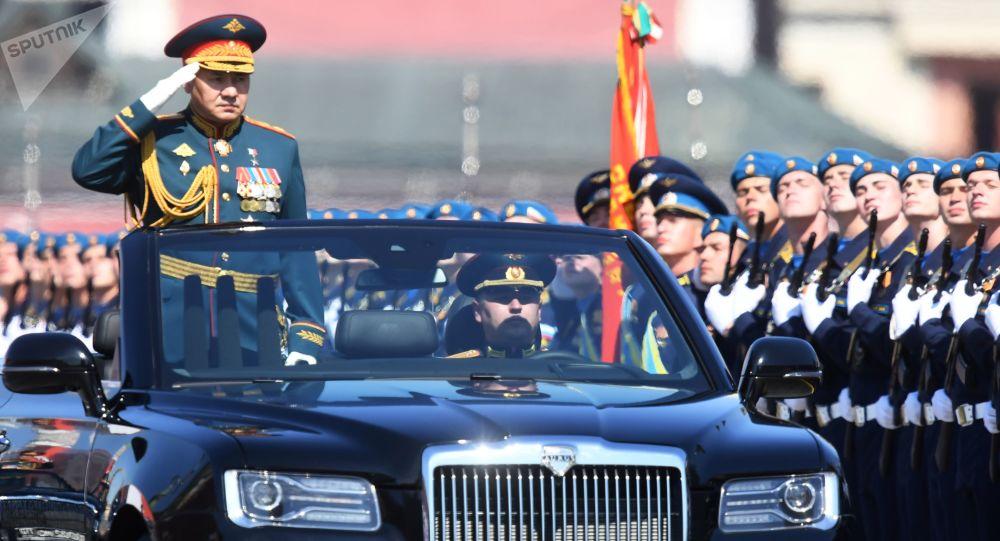 رژه نظامی به  مناسبت 75 مین سالگرد پیروزی روسیه در جنگ جهانی دوم بر فاشیسم در میدان سرخ + ویدئو