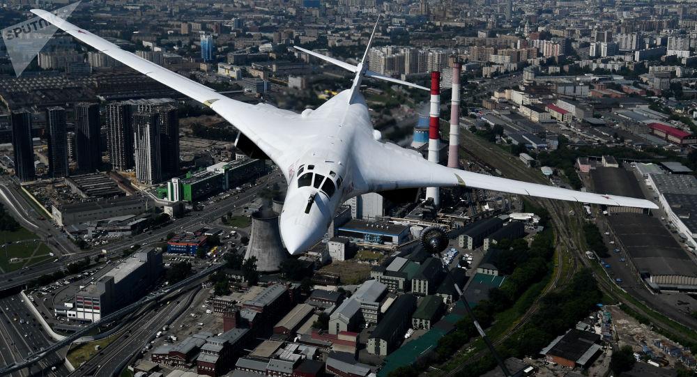 همراهی موشک بر های استراتژیک روسی توسط جنگنده های ناتو