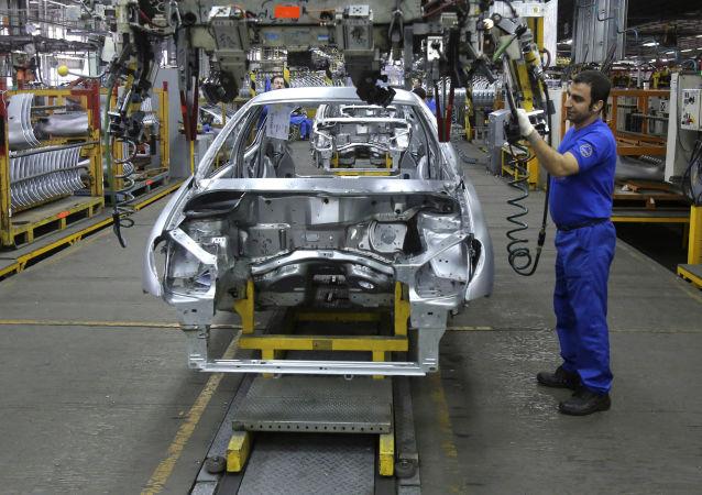 ورود دستگاههای امنیتی به تنظیم بازار خودرو ایران