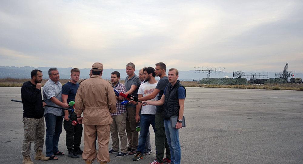خلبان هواپیمای سرنگون شده سوخو24 گفت که می خواهد نظام وظیفه خود در پایگاه هوایی روسیه در سوریه را ادامه دهد