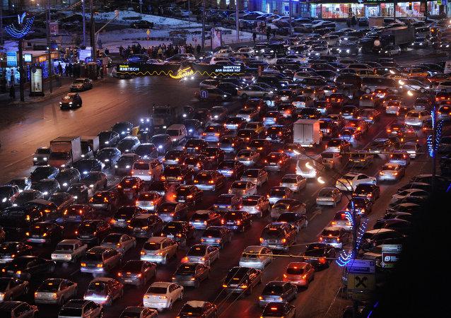 ترافیک 35 ساعته در اندونزی و مرگ 18 مسافر